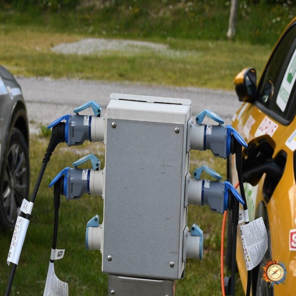 bornes rechargement véhicules électriques
